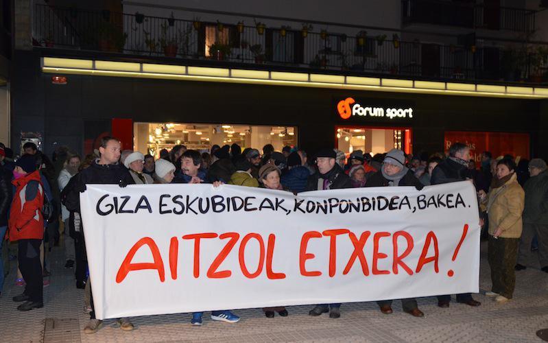 Aitzol Gogorzaren egoera salatzeko elkarretaratzea.