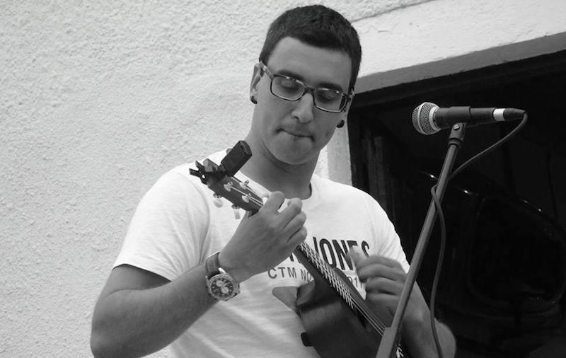 Yon Figueroak kontzertu akustikoa egingo du Gaztañoko lokal berrian.